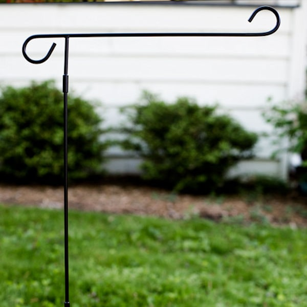 Garden Flag Display Pole at Signals