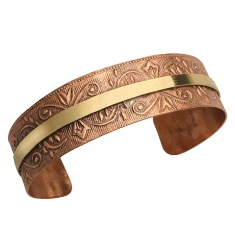 Chic Copper-Washed Cuff Bracelet - Brass Stripe